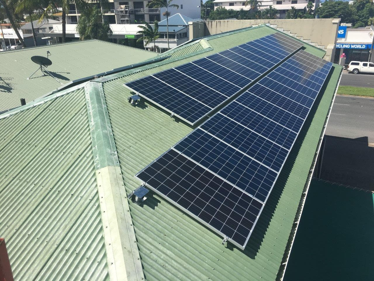 10kw commercial solar system fitted on roof of business cairns