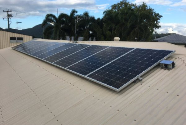 photo of a 3.5kw solar system at redlynch cairns